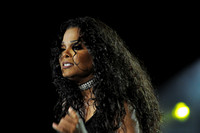 Janet Jackson at Portsmouth Amphitheater 8-9-11-Photo credit David Beloff 2011-08-09 034